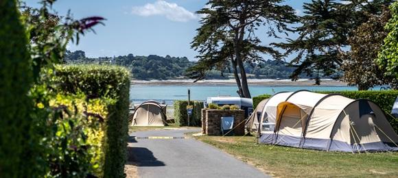 RCN Port l' Epine | Emplacement de camping  avec superbe vue sur la mer