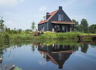 6p Haus am Wasser de Zomertaling
