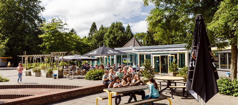 RCN-de-Roggeberg-Drents-Fries-Wold-restaurant-terras