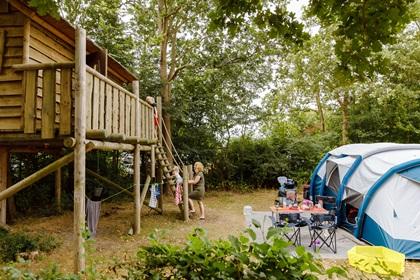 RCN de Schotsman   Basisstellplatz mit Baumhütte