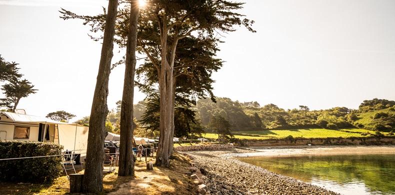RCN-Port-L'Epine-camping-in-Bretagne-wandelpad-langs-camping