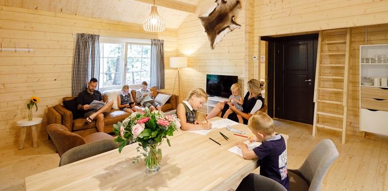 RCN-vakantiepark-de-Jagerstee-interieur-Finse-lodge-op-de-Veluwe